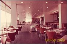 Port lotniczy Paryż-Orly, wnętrze gmachu lotniska, sala restauracyjna, Francja