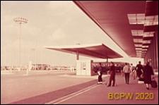 Port lotniczy Paryż-Orly, podjazd do lotniska, Francja