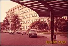 Szpital Kantonalny, fragment elewacji budynku, widok z podcienia, Genewa, Szwajcaria