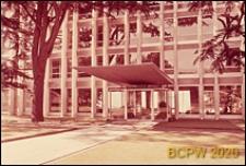 Biurowiec, siedziba szwajcarskiej firmy ubezpieczeniowej Assurances Mutuelle Vaudoise, fragment elewacji oraz wejście do budynku, Lozanna, Szwajcaria