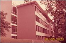 Uniwersytet Zuryski, Wydział Fizyki, fragment elewacji i widok naroża budynku, Zurych, Szwajcaria