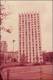 Wieżowiec mieszkalny sióstr Szpitala Kantonalnego, widok zewnętrzny, Zurych, Szwajcaria