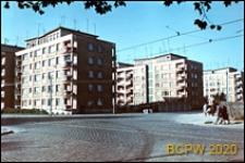 Śródmieście, zabudowa mieszkaniowa w centrum, garaże pomiędzy blokami, Szczecin